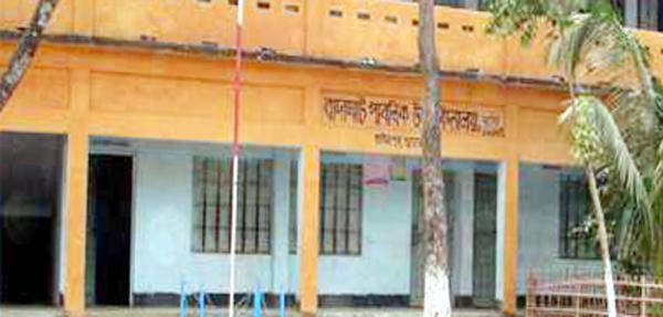তাহিরপুরের বাদাঘাট পাবলিক উচ্চ বিদ্যালয়ের শিক্ষকের কান্ড