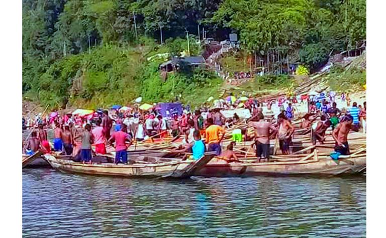 জাফলংয়ে পাথর লোট: ১২টি নৌকা আটক করছে বিএসএফ, নিরব বিজিবি