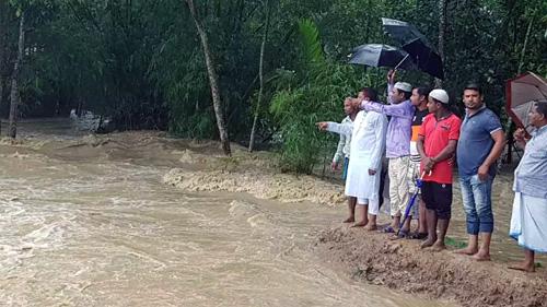 মৌলভীবাজার কমলগঞ্জে ৩শ' পরিবার পানিবন্দি