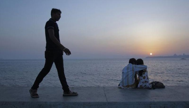 ভারতে এখন থেকে পরকীয়া অপরাধ না
