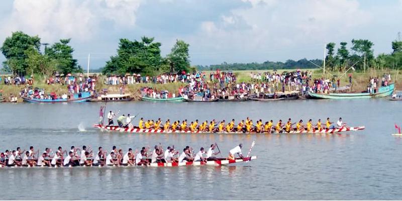গোয়াইন নদীতে গ্রাম বাংলার ঐতিহবাহী নৌকা বাইচ অনুষ্ঠিত