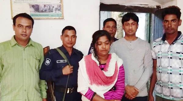 কমলগঞ্জে ইয়াবা ব্যবসায়ী মহিলাকে আটক করেছে পুলিশ