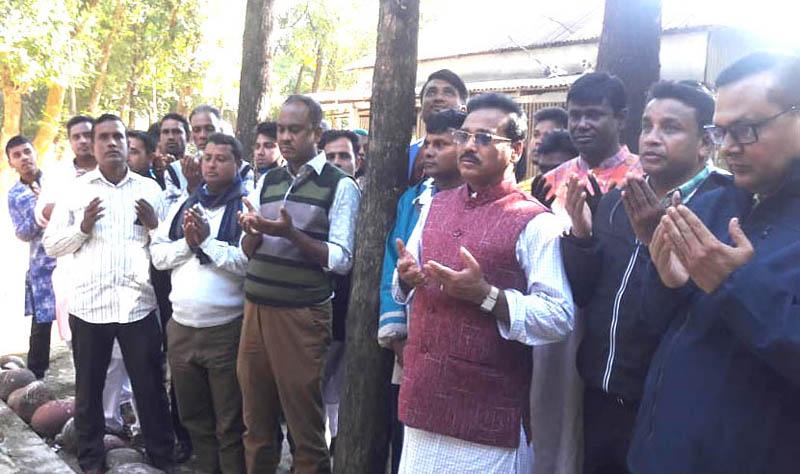 তাহিরপুরে মাজার জিয়ারত করে দলীয় র্কায্যালয় পরির্দশনে এমপি রতন