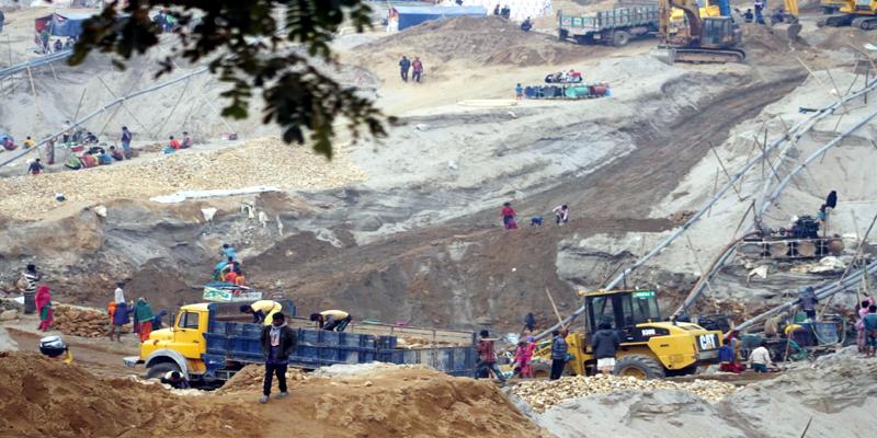 জাফলং পাথর কোয়ারীতে মৃত্যুর মিছিলে যুক্ত হলো আরেক নাম আটক-১, মামলা দায়ের