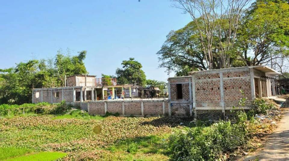 বিশ্বনাথে সরকারি জায়গা দখল করে প্রভাবশালীদের ১৯টি ঘর নির্মাণ