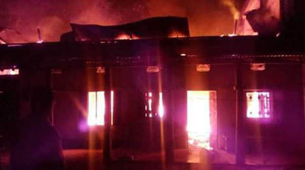 বিশ্বনাথে অগ্নিকান্ডে ৪টি বসতঘর পুড়ে ছাই : অর্ধকোটি টাকার ক্ষয়ক্ষতি