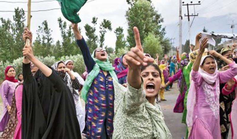 জম্মুতে উঠল ১৪৪ ধারা, স্কুল খুলল সাম্বা-কাঠুয়ায়, বিক্ষিপ্ত বিক্ষোভ 'শান্তির' কাশ্মীরে