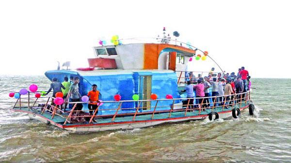 এবার পর্যটকদের মন কেড়েছে 'মিনি কক্সবাজার' হাকালুকি