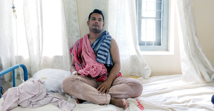 সুনামগঞ্জ থেকে উদ্ধার সাংবাদিক মুশফিককে ঢাকায় প্রেরণ