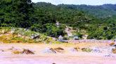 সুনামগঞ্জে চাঁরাগাঁও সীমান্ত দিয়ে অবৈধভাবে পাথর পাচাঁরের অভিযোগ