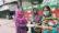 রাস্তাঘাটে অসহায় হতদরিদ্র মানুষকে খাওয়ালেন নার্স শেফালি