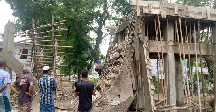 কানাইঘাট স্বাস্থ্য কমপ্লেক্সের নির্মাণাধীন গেটের ছাদ ধ্বসে আহত ২