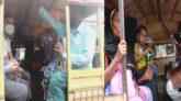 জৈন্তাপুরে স্বাস্থ্য বিধি না মেনেই যাত্রী পরিবহন, ডাবল ভাড়া আদায়