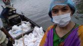 গোয়াইনঘাটে বন্যার্ত জেলেদের পাশে সিকৃবির 'সুমী'