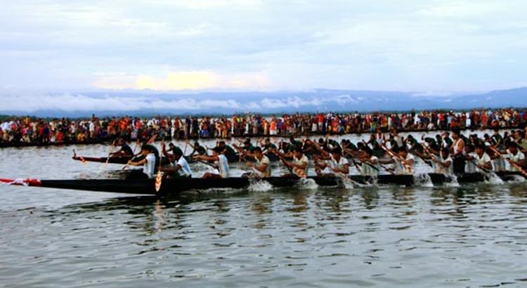 জৈন্তাপুরে ঐতিহ্যবাহী নৌকা বাইচ প্রতিযোগিতা সম্পন্ন
