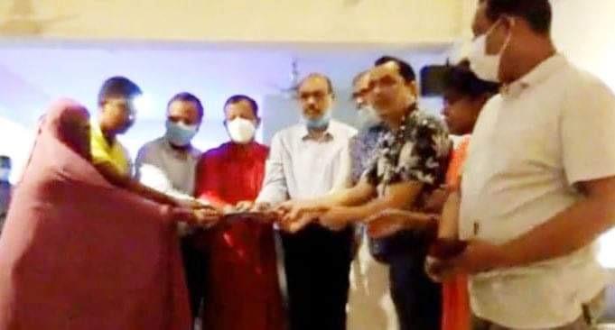 করোনায় মৃত্যুবরণকারী নার্সিং কর্মকর্তা রুহুল আমিনের পরিবারের পাশে পররাষ্ট্রমন্ত্রী