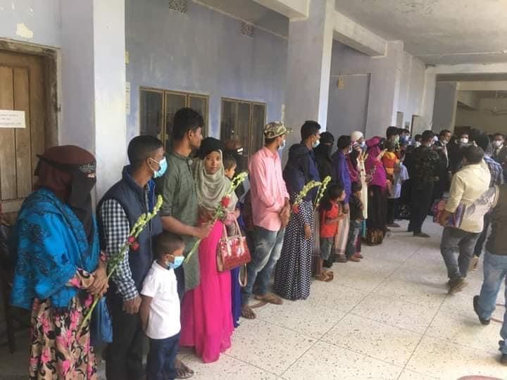 সুনামগঞ্জে ৪৭জন স্বামীকে ক্ষমা করে ফুল দিয়ে বরণ করেন স্ত্রীরা