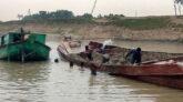 ছাতকে অবৈধ বালু উত্তোলন: মসজিদ-কবরস্থান রাস্তা ও বসত ঘর নদী গর্ভে