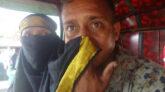 পুলিশ দেখে বোরকা টেনে 'মাস্ক' বানালেন পুরুষ যাত্রী!